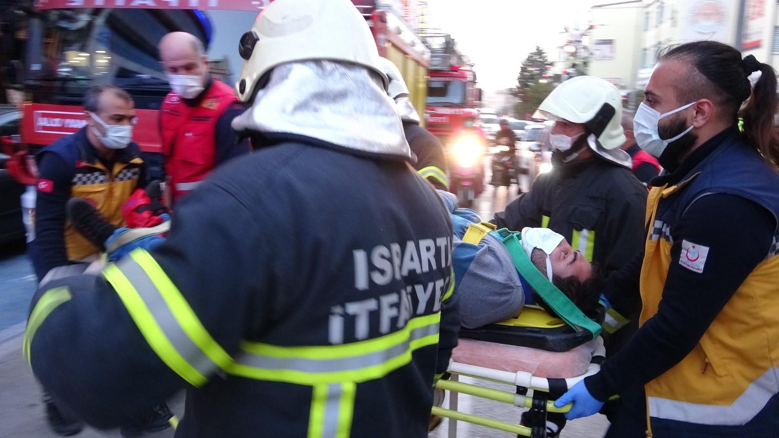 Isparta'da asansörü kazası: 2 yaralı