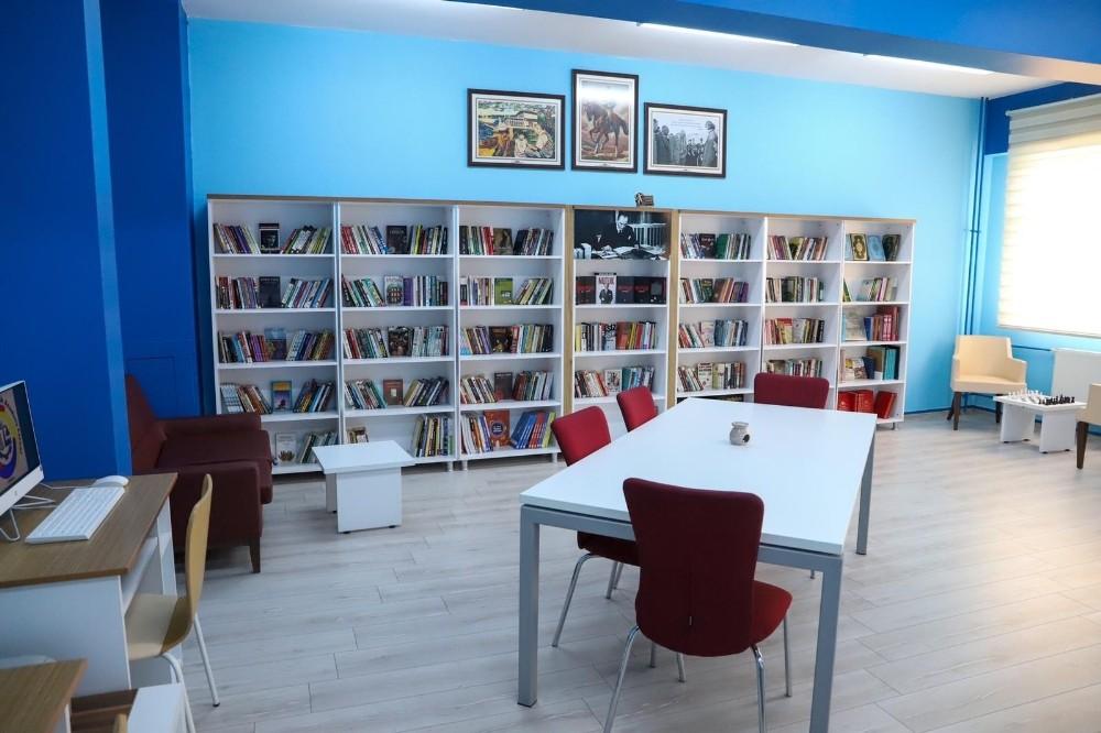 Isparta'da meslek liselerinin kütüphaneleri modern hale getiriliyor