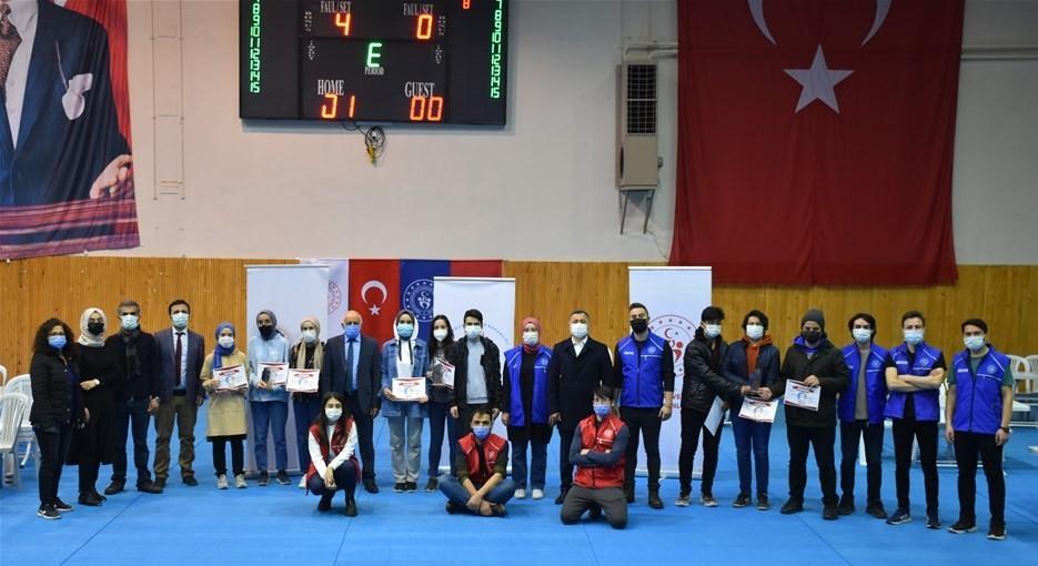 Isparta'da bilgi yarışması düzenlendi