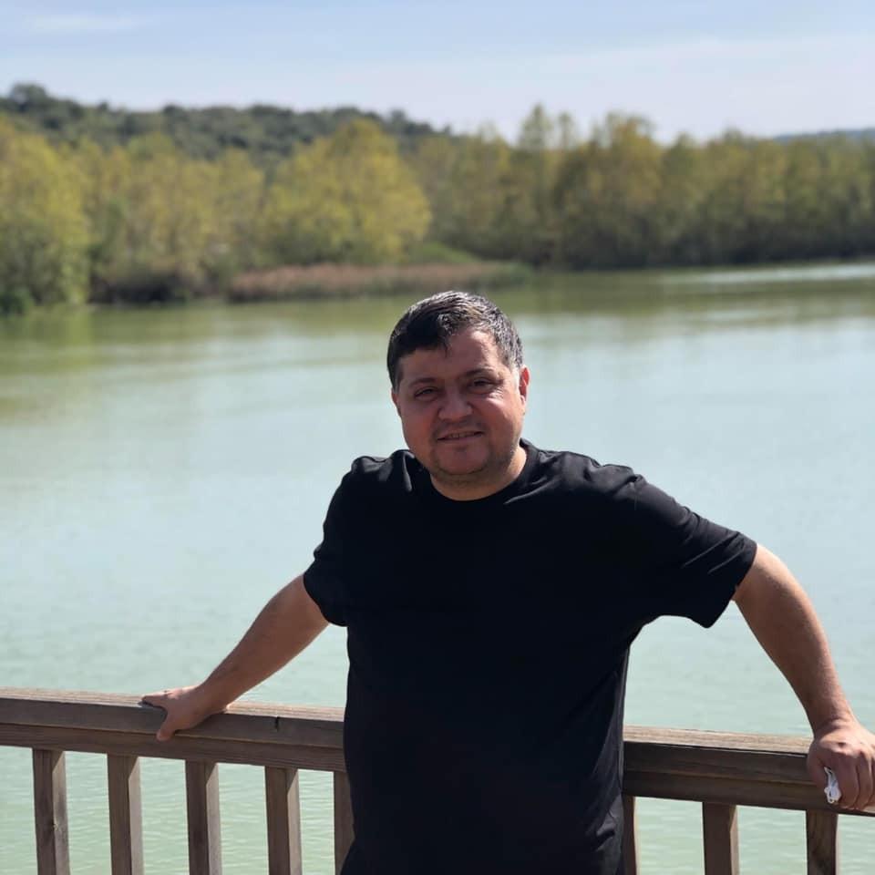 Isparta'da Covid-19 tedavisi gören gazeteci Soner Toros vefat etti