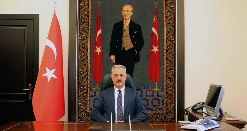 """Isparta Valisi Seymenoğlu: """"Dijital iletişim kanallarıyla bayramlaşmayı sürdürmeliyiz"""""""