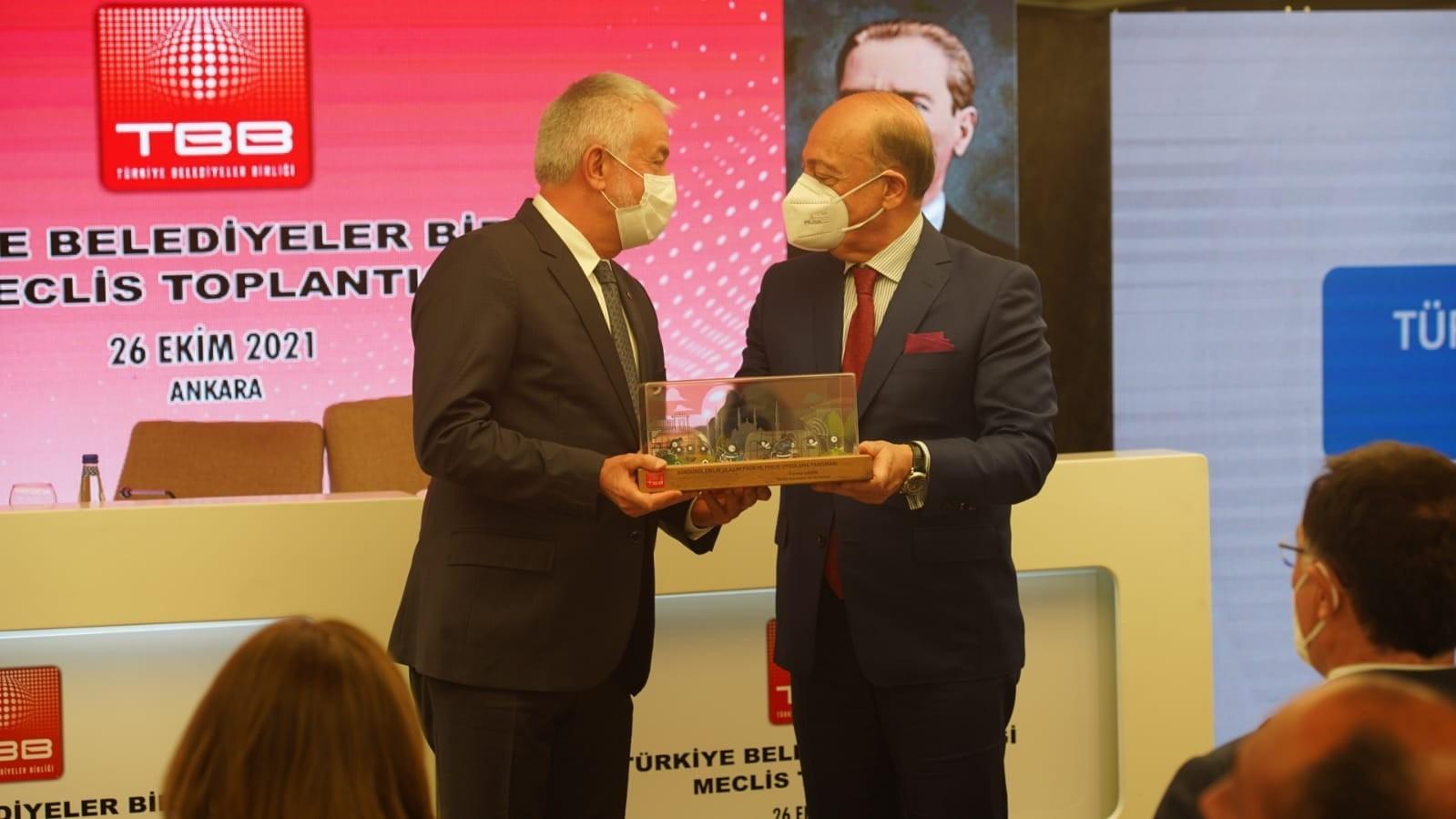 Isparta Belediyesi'ne Sürdürülebilir Ulaşım Fikir ve Proje Uygulama ödülü