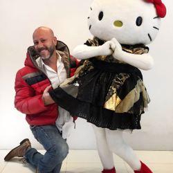 Samuel Cirnansck e Hello Kitty