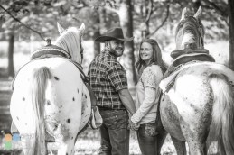 country-horses-lafayette-engagement-photography-04
