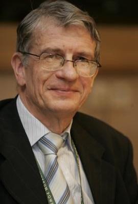 Prof. dr hab. Wojciech Roszkowski