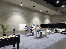 APS members lounge in the APS Connect Zone.