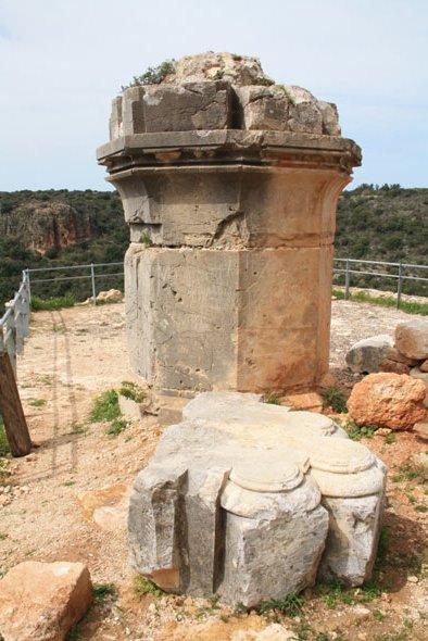 Развалины замка Израиль фото