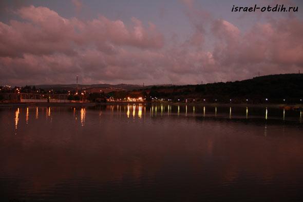 Озеро Монфор фото
