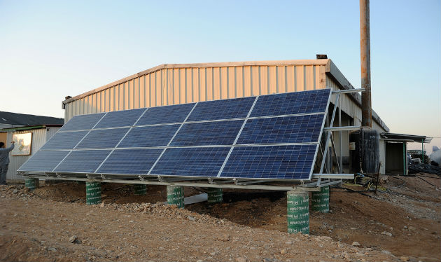 The new solar-warmed hothouse at the Yair Experimental Station. Photo by Eyal Izhar