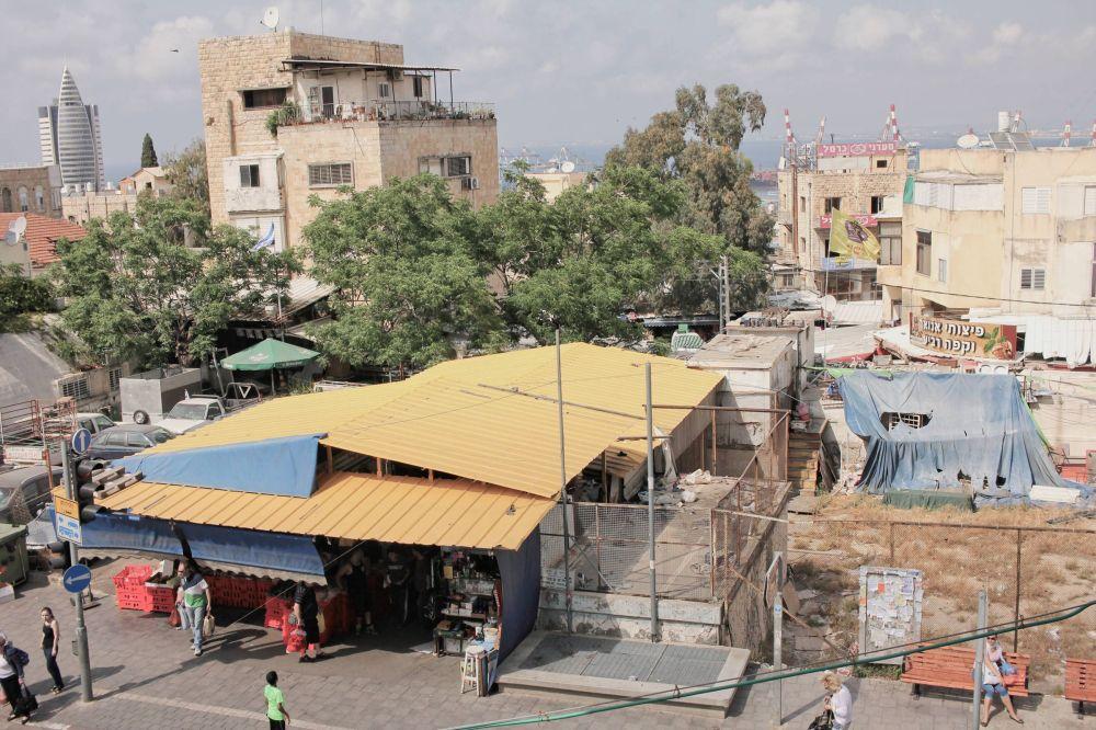 Poverty, Arlozorov St., Haifa, Israel