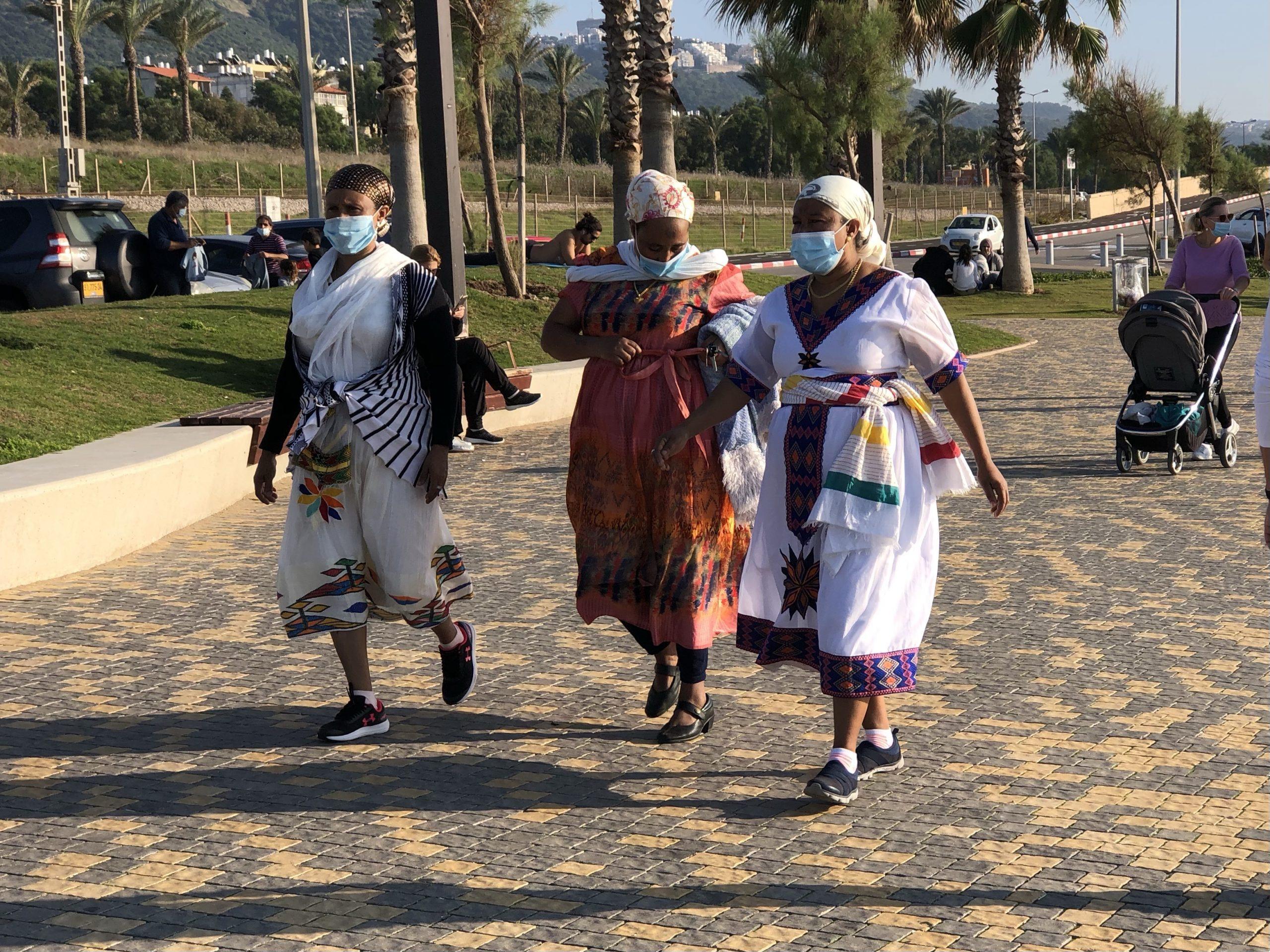 Ethiopian immigrants get warm welcome in Israel