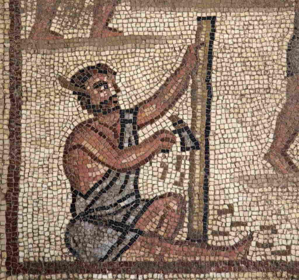 Este mosaico de la sinagoga Huqoq en la Baja Galilea representa a hombres trabajando, construyendo una torre de piedra, al parecer la Torre de Babel.(Jim Haberman UNC Media Relations)