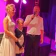 Bruidspaar op feestlocatie