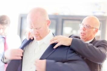 Colbert van bruidegom wordt aangetrokken
