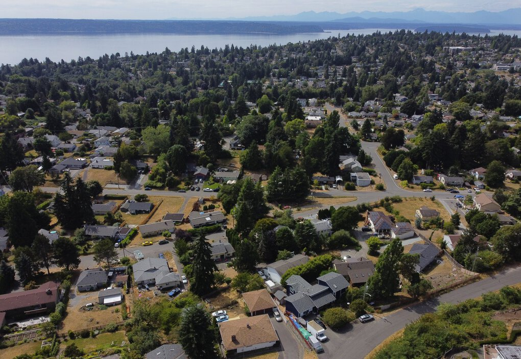 Seattle-area home prices rise faster than nearly every other U.S. city, driven in part by younger homebuyers