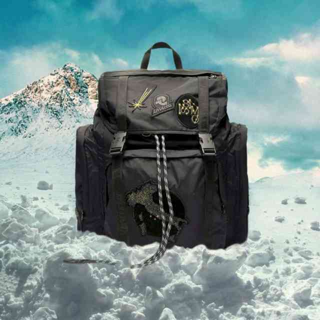 Hey, stargazers! Look to the skies! ISSIMO x @Invicta is an out of this world backpack decorated with our personalized ISSIMO patached and inspired by record-breaking astronaut #SamanthaCristoforetti. It's all about the journey, so let's take a celestial hike and boldly go where no one has gone before!⠀⠀⠀⠀⠀⠀⠀⠀⠀ ⠀⠀⠀⠀⠀⠀⠀⠀⠀ #SoFICHISSIMO #soISSIMO #invicta #outofthisworld