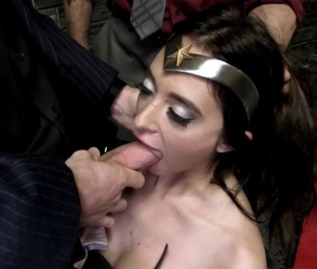 Movie Title Superheroine Wonder Quinn Enslaved Time 1h 2mn Size 1 58 Gib Video Mp4 1280x720