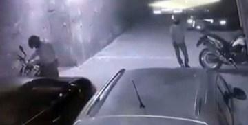 (Özel) Motosiklet hırsızlığı kamerada