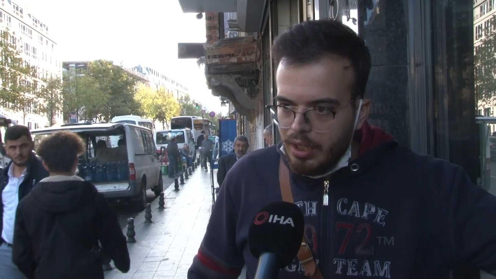 (Özel) Beyoğlu'nda organize yankesicilik: 5 kişi turistin telefonunu çaldı