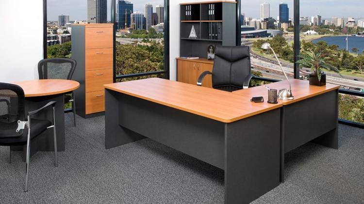 İkinci el mobilya alanlar hizmeti, ofisler kullanılan tüm ürünler için yüksek teklifleri almanızı sağlıyor...