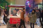 chestnut seller at Beyoglu-Istanbul, pentax kx, photos by ozgur ozkok