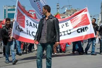 1_mayis_taksim_istanbul_ozgur_ozkok_2010 (2)