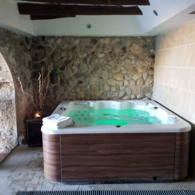 Masia Can Canyes Spa