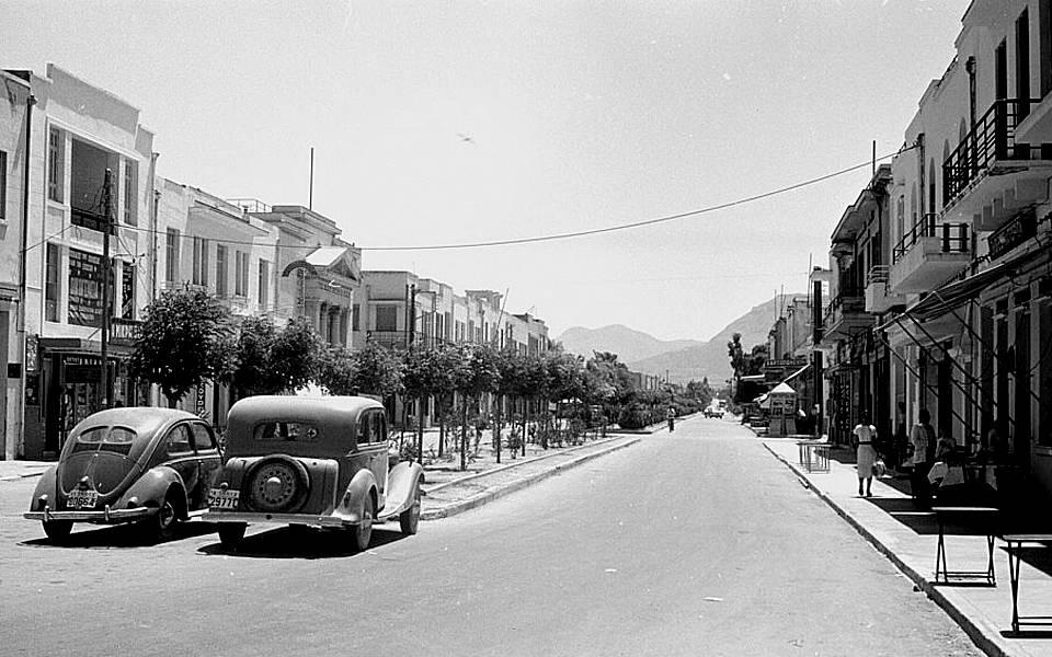 Στην αρχαία και τη νέα Κόρινθο μια μέρα του 1960 (photos)