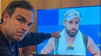 Emocionado, Tadeu Schmidt enaltece Bruno após eliminação no vôlei de praia: 'Orgulho de ser seu tio'