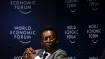Pelé has been hospitalized for 6 days, after discovering a health problem