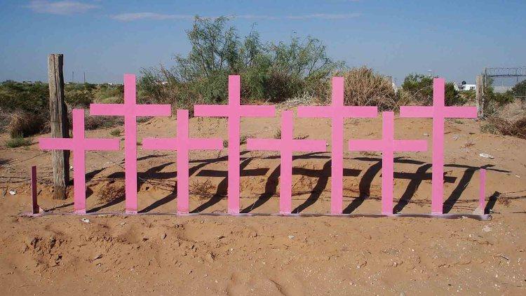 croci erette otto donne femminicidio juarez