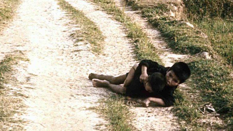 Bambini vittime del massacro di My Lai