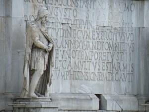 statuie-dac-arctriumf1