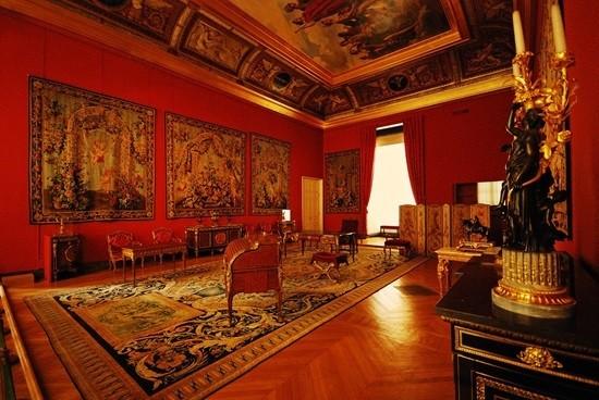 Лувр Париж история факты легенды и фото музея