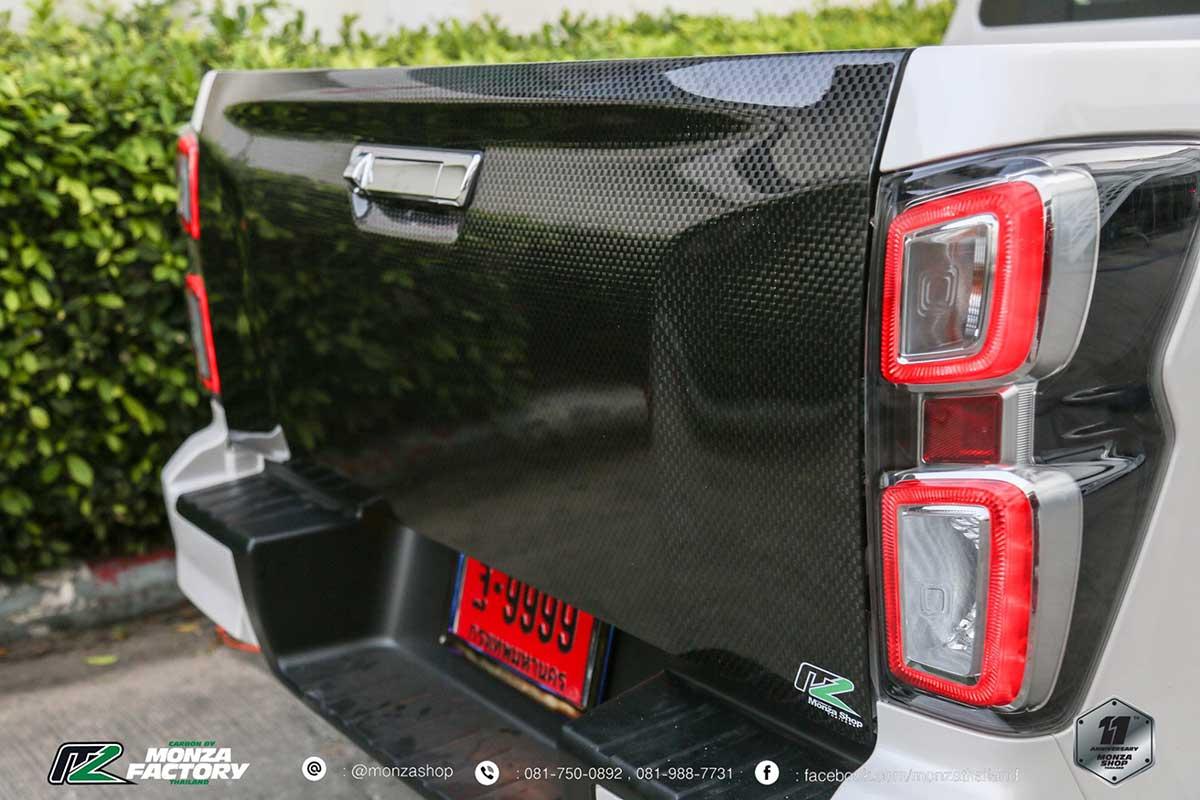 all new isuzu dmax front black 010