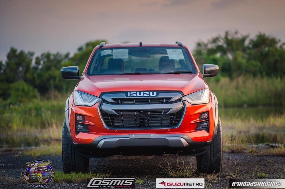 all new isuzu dmax vcross 2020 orange 02