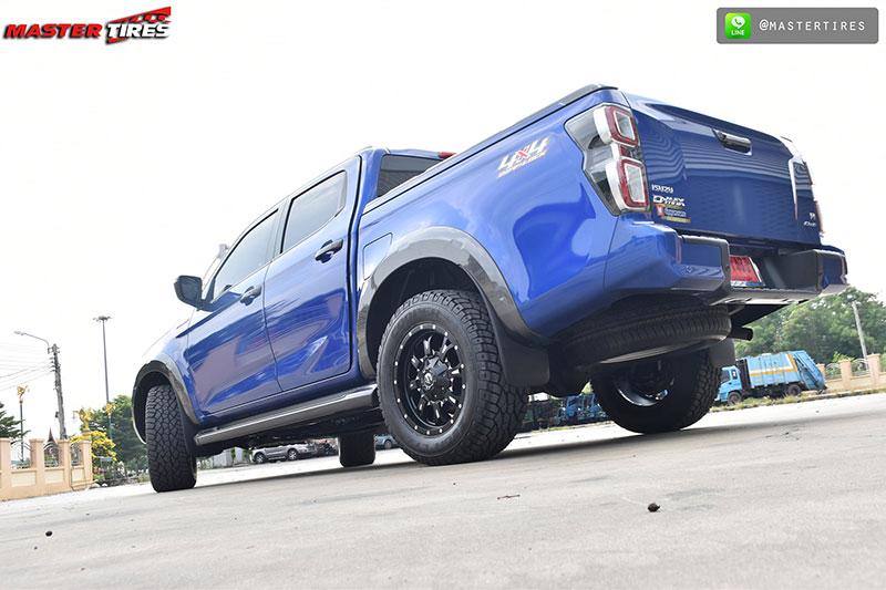all new isuzu dmax vcross blue 04