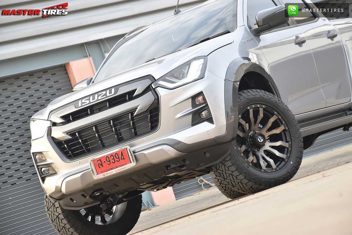 all new isuzu dmax vcross grey 01