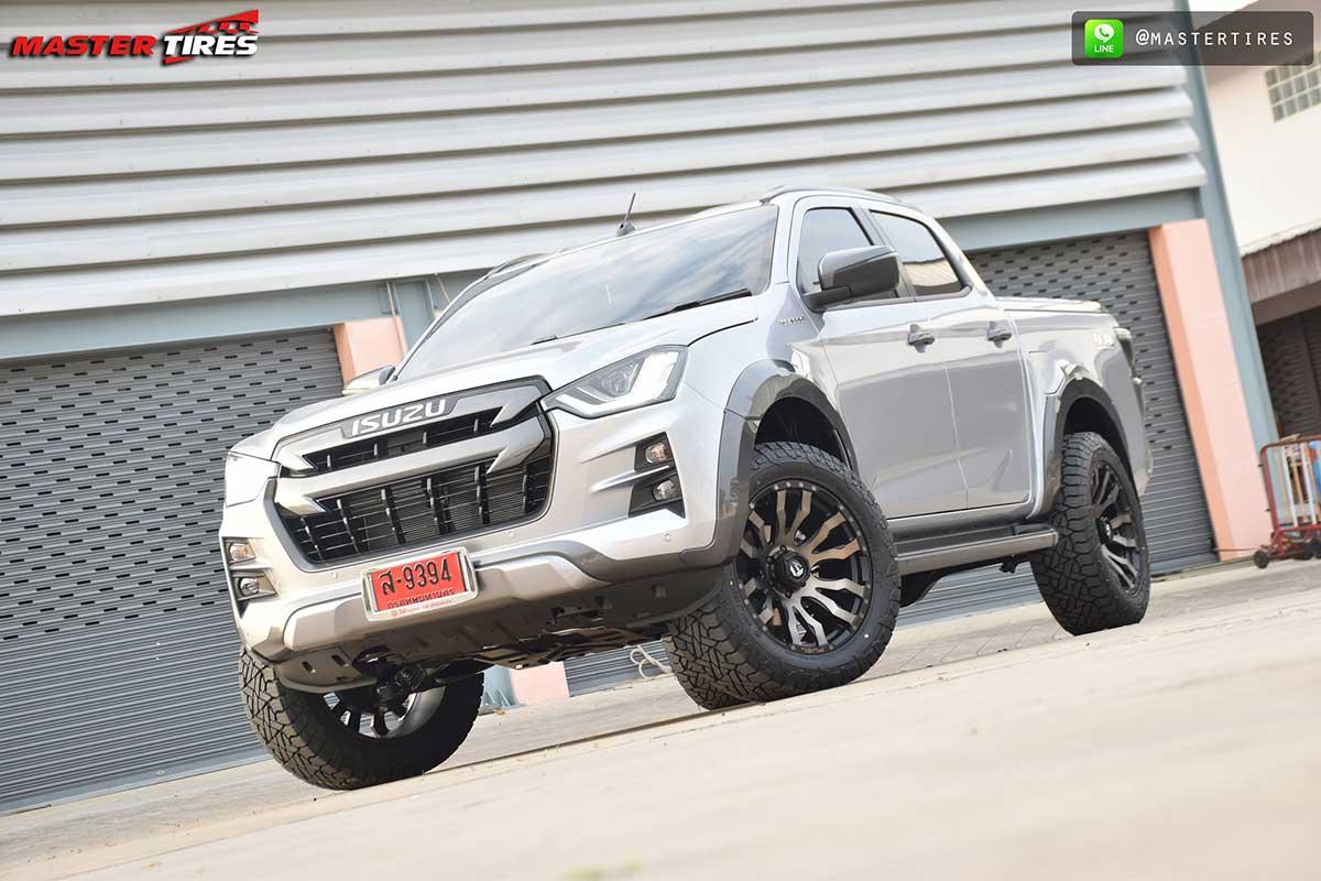 all new isuzu dmax vcross grey 02