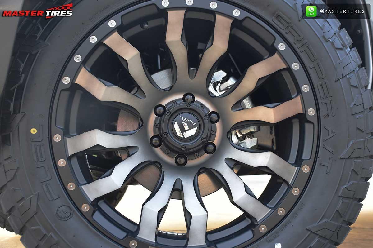 all new isuzu dmax vcross grey 03