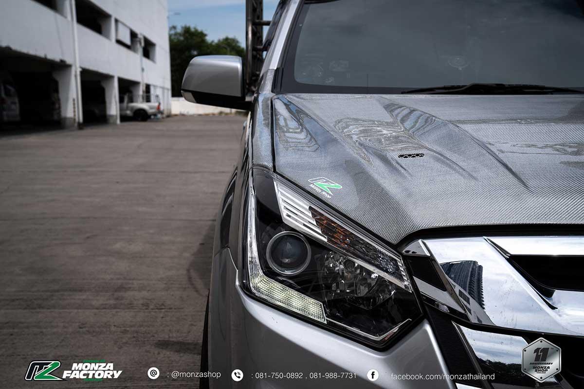 isuzu d max white carbon 012