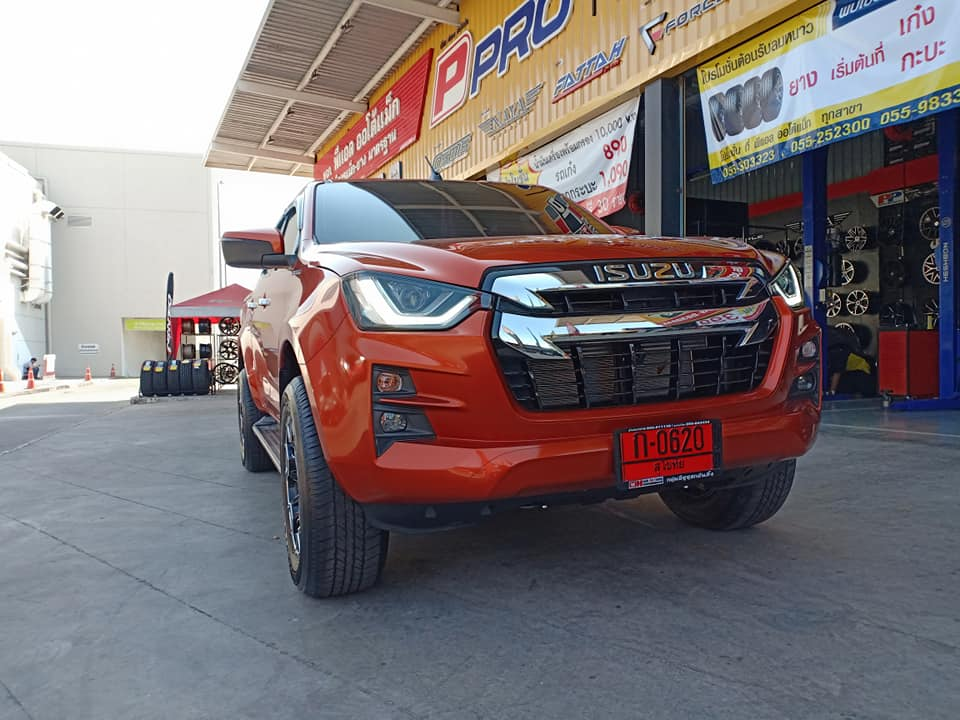 isuzu 2020 hilander orange 03