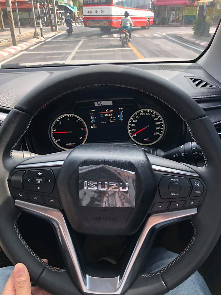 isuzu 2020 wheel left