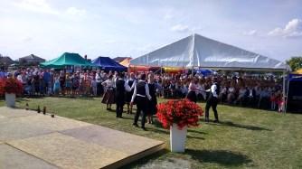 2016 augusztusa, Iszkaszentgyörgy bemutatkozása a falu lengyel testvértelepülésének, Łabuniénak aratóünnepségén