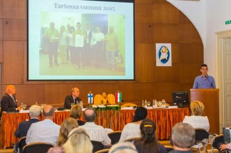 2016 szeptembere: Iszkaszentgyörgy bemutatkozása az esztergomi Finn-Magyar testvértelepülési találkozón. A fotón: Waliduda Dániel projektkoordinátor