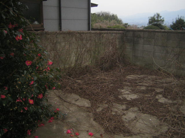 群馬県前橋市 空き家の庭を整備してください