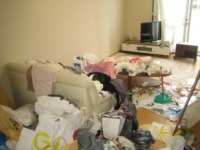 群馬県 前橋市 引っ越しするので、ゴミ部屋を片付けて・・・