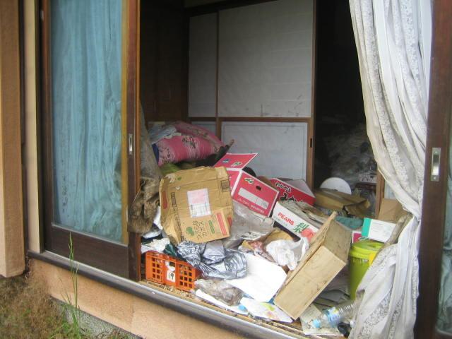 群馬県 高崎市 お母さん一人暮らしの実家がゴミ屋敷状態で・・・