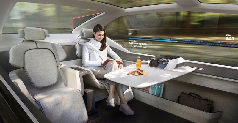 Volvo och BMW överraskar med nya konceptbilar på eCarExpo