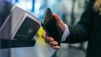 50 procent fler planerar att betala på kredit än direkt under Black Friday